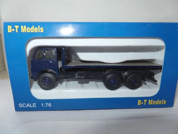 B T Models A010B 1/76 OO Scale Foden DG 3AX Flatbed Blue